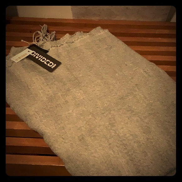 H&M Accessories - New with tags blanket scarf